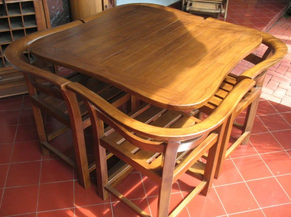 Dining table 4 seater-J67