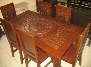 Dining table-J1D6