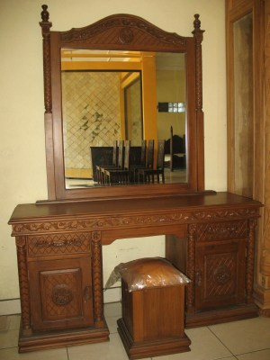 Dressing table-J73
