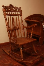 Rocking chair-E1