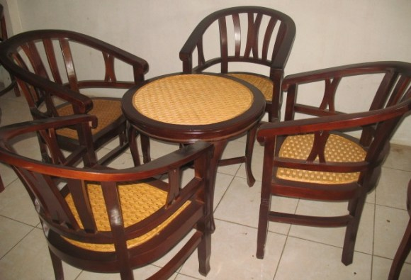 Terrace table and 4 chairs-E16C